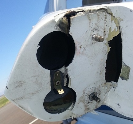 N215DS_rudder_w_broken_piece_put_back_in_place_20150406_131859_rdcd.jpg